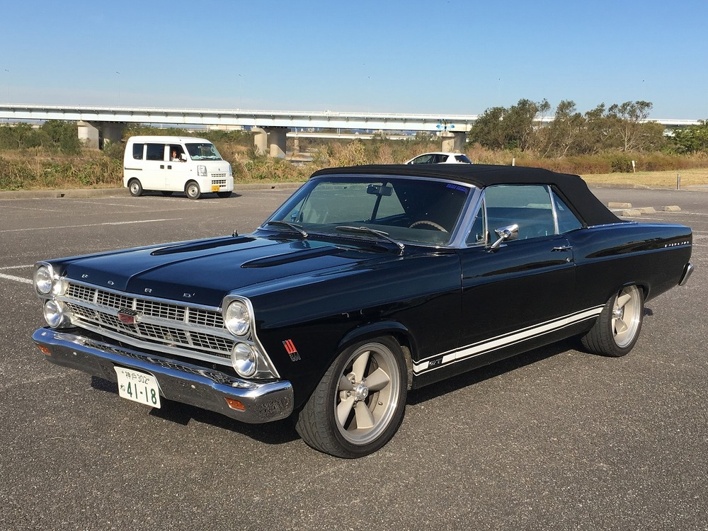 FORD FAIRLANE GTのサムネイル