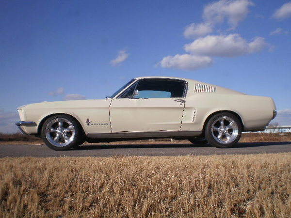 67 Mustang Fastback・・・・!